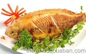 Đau lưng nên ăn nhiều cá